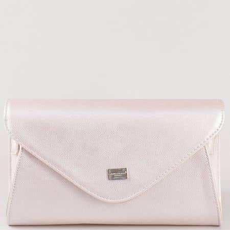 Дамска чанта за вашите специални поводи с дълга дръжка на френския производител David Jones в златисто cm3095zl