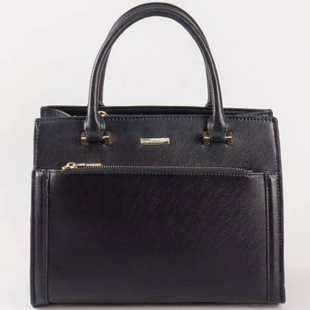 Дамска чанта със стилна визия и преден джоб на David Jones в черно cm3097ch
