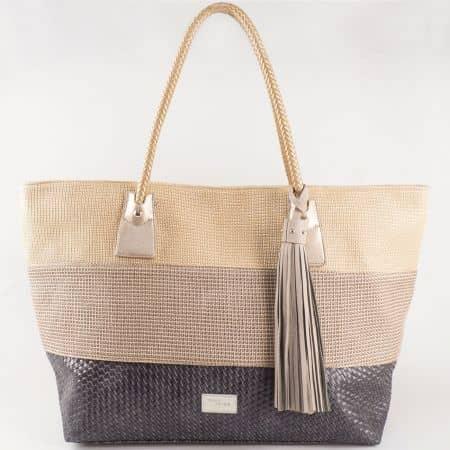 Дамска чанта за всеки ден с пискюл и стилна визия на френския производител David Jones в кафяв цвят cm3104k