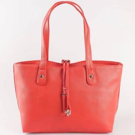 Дамска ежедневна чанта с две удобни дръжки на френският производител David Jones в червено   cm3106chv