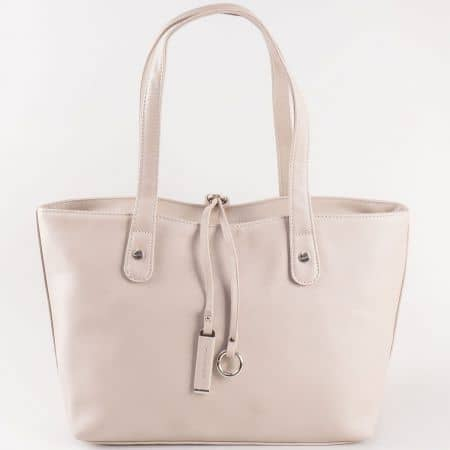 Дамска чанта за всеки ден с изчистена визия на френската марка David Jones в сив цвят cm3106sv