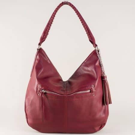 Френска дамска чанта с пискюл в цвят бордо cm3270bd