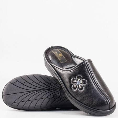 Дамски комфортни пантофи на български производител в черен цвят deysich