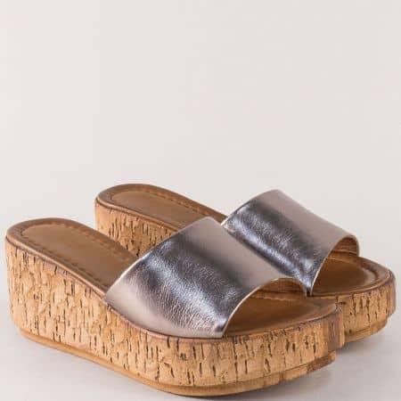 Бронзови дамски чехли от естествена кожа на платформа f10brz