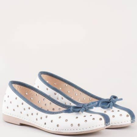 Перфорирани дамски обувки, тип балерини от естествена кожа изцяло- Karyoka в синьо и бяло k1140bs