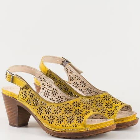 Дамски атрактивни сандали произведени- Karyoka от 100% естествена кожа с перфорация в жълто  k1877j