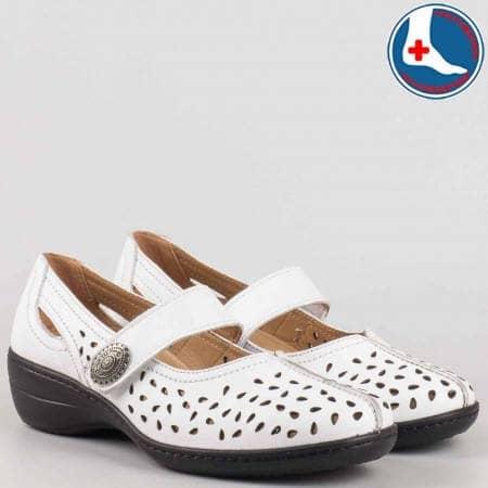Перфорирани анатомични дамски обувки на среден ток от естествена кожа с велкро лепенка-  Loretta  l5175b