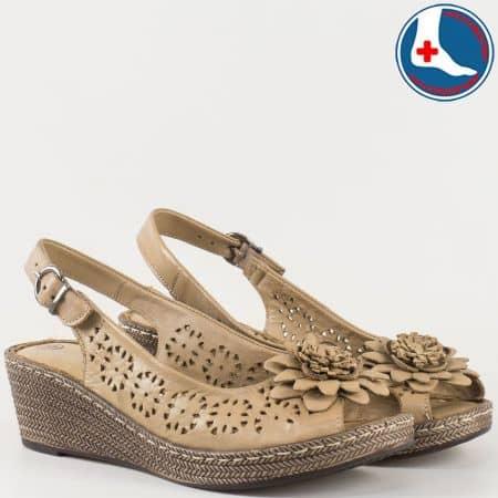 Кафяви дамски сандали на клин ходило с анатомична стелка  l5263k