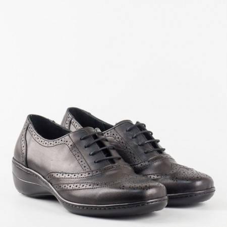 Eжедневна дамска обувка решена с връзки и перфорация в черен цвят l5284ch
