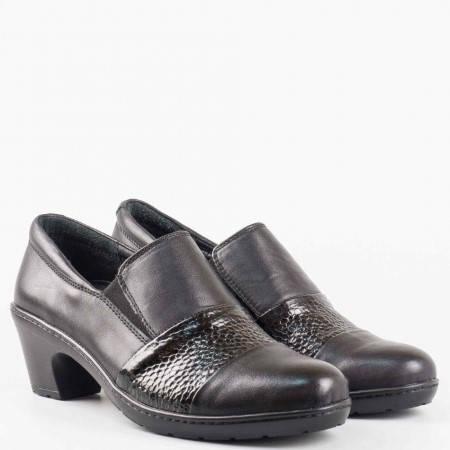 Дамски ортопедични обувки от естествена кожа и лак с ефектен змийски принт в черен цвят l5719ch