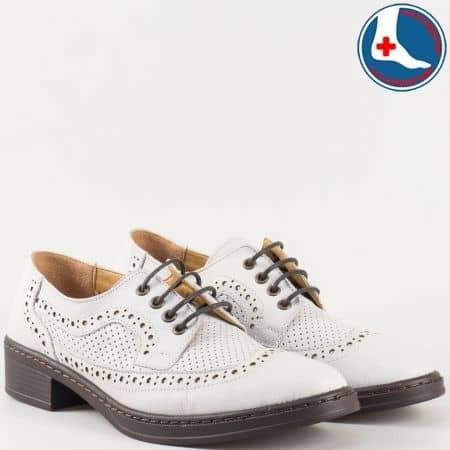 Дамски ортопедични обувки с връзки и швейцарска перфорация изцяло от естествена кожа в бяло- Loretta  l5785b