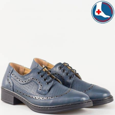 Удобни и леки дамски обувки с връзки изцяло от естествена кожа с вадеща се ортопедична стелка и швейцарска перфорация в син цвят- Loretta   l5785s