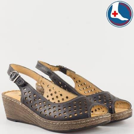 Практични дамски сандали в черен цвят с перфорация на шито клин ходило с ортопедична стелка- Loretta изцяло от естествена кожа l5818ch
