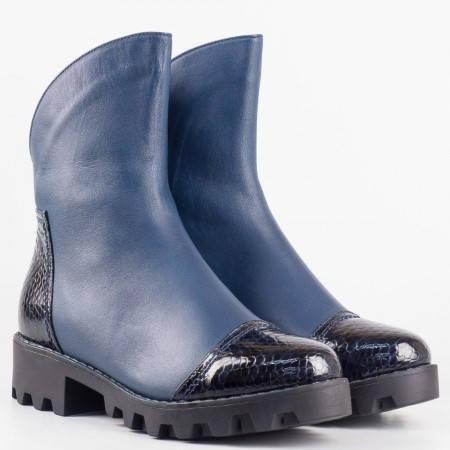 Дамски стилни боти от висококачествена естествена кожа и лак в син цвят със змийски мотив m171s