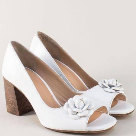 Бели дамски обувки с отворени пръсти и кожена стелка m411b