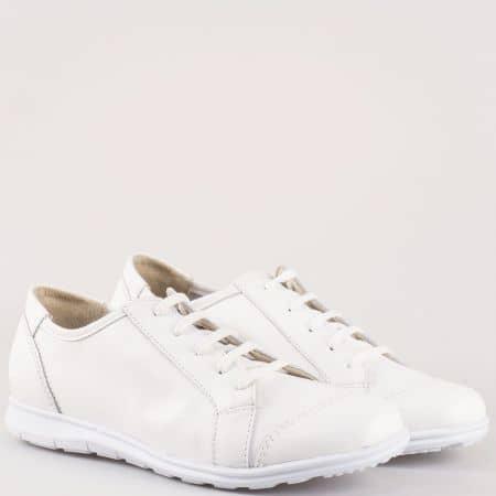 Равни дамски обувки в бяло с връзки от естествена кожа изцяло на български производител m605b
