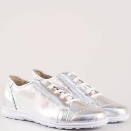 Дамски ежедневни обувки със семпла спортна визия изработени от 100% естествена кожа на български производител в сребристо m605sr