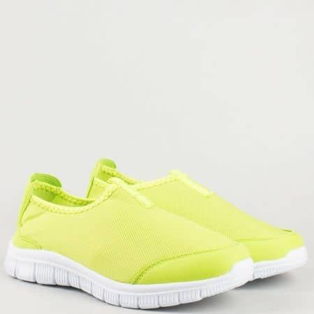 Дамски зелени маратонки без връзки с олекотено ходило в бяло m803z