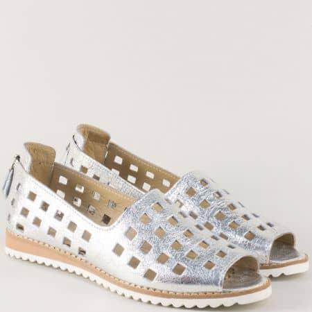 Сребърни дамски обувки с отворени пръсти и перфорация m963sr