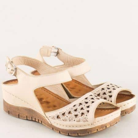 Дамски сандали на платформа от бежова естествена кожа ma102bj