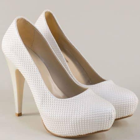 Бели дамски обувки на платформа и висок удобен ток ma20b