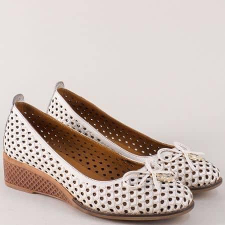 Дамски обувки на клин ходило от естествена кожа в бежаво n021bj