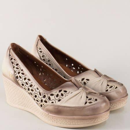 Перфорирани дамски обувки на платформа в бежов цвят n713bj