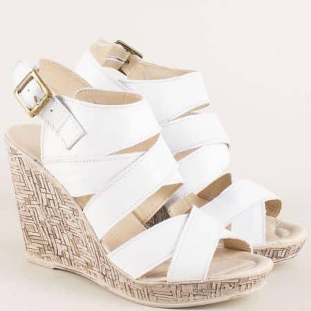 Кожени дамски сандали на платформа в бял цвят nn171b