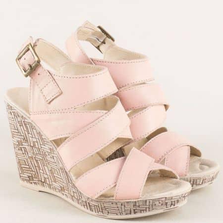 Розови дамски сандали с кожена стелка на платформа nn171rz