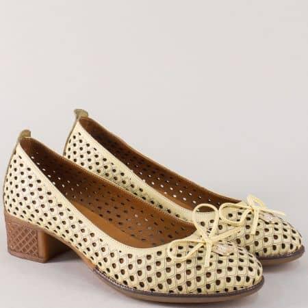 Жълти дамски обувки с лазерна перфорация и панделка nn21j