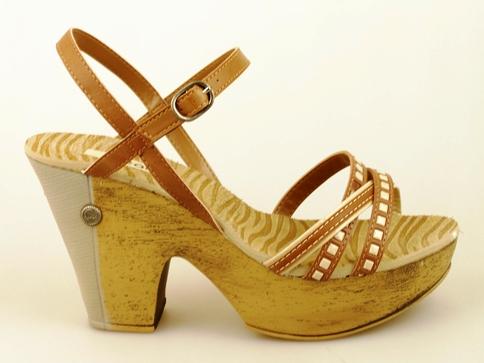 Дамски сандали с каишки и капси на среден ток с предна платформа  a720722k