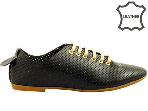 Дамски спортни обувки от ефектна перфорирана кожа 697ch