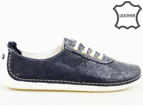 Дамски спортни обувки от висококачествена естествена кожа на шито ходило с интересна перфорация и връзки 07202s