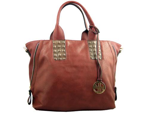 Модерна дамска чанта с интересни капси на дръжките в цвят бордо fa0065bd