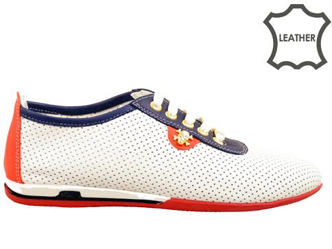 Модерни дамски обувки с комфортно гъвкаво ходило, изработени от перфорирана естествена кожа в бял цвят n105b