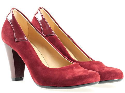 Стилни дамски обувки с окръглена визия и декоративни лачени детайли, изпълнени в  цвят бордо 1136vbd