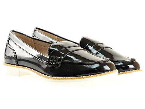 Комфортни дамски обувки Tamaris, дизайнерски модел изработени от висококачествен еко лак в черен цвят 124205lch
