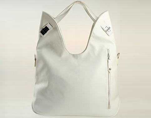 Дизайнерска дамска чанта с интересен метален цип, изработена от бяла еко кожа s1145b