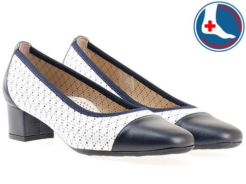 Дамски ежедневни обувки с ортопедична стелка в комбинация от син и бял цвят с перфорация от естествена кожа z70970b