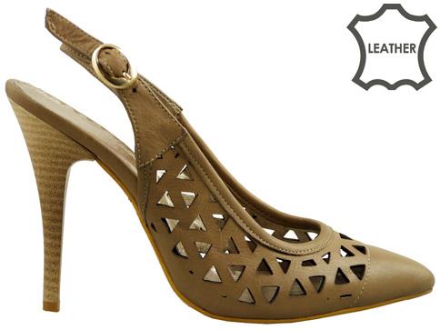 Елегантни дамски обувки със заострена визия, нежна перфорация и комфортна извивка m141k