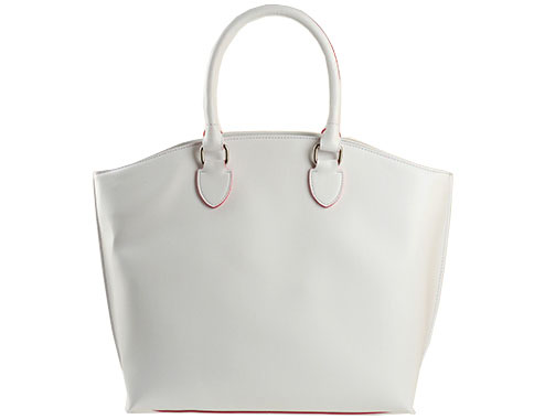 Удобна дамска чанта, изработена в бял цвят -  абсолютен хит този сезон s1155b