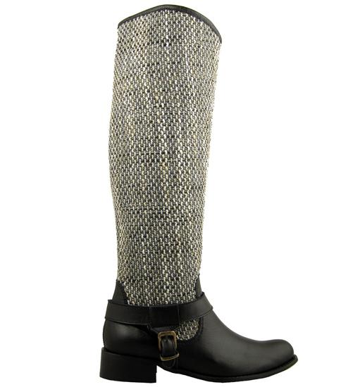 Интересни дамски ботуши Carinii на нисък ток, изработени от естествена кожа в комбинация с текстил 280ch
