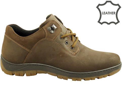 Ежедневни мъжки обувки със солидно грайферно ходило, произведени от кафяв естествен набук 073nk