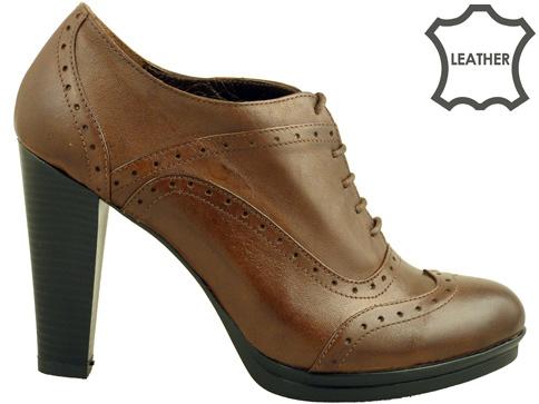 Качествени дамски обувки на висок ток с перфо мотиви, изработени от естествена кожа 4025k