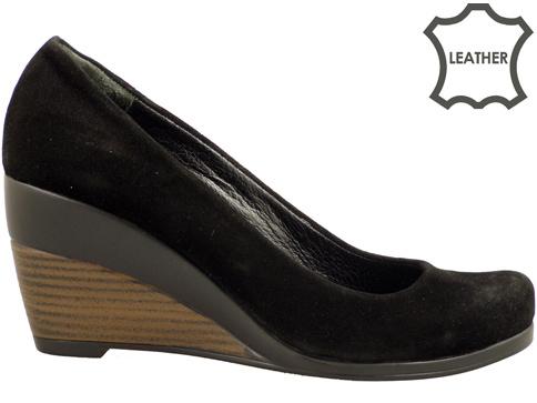 Изчистен модел дамски обувки на комфортна платформа 45vch