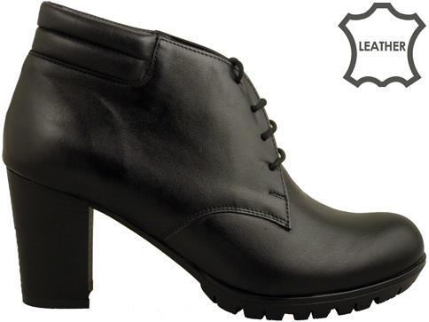 Дамски боти с връзки Naturelle на висок ток в черен цвят z99573ch