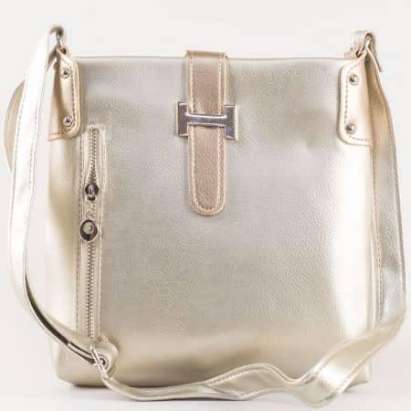 Дамска ежедневна чанта с удобно разпределение на български производител в сребристо s1110sr