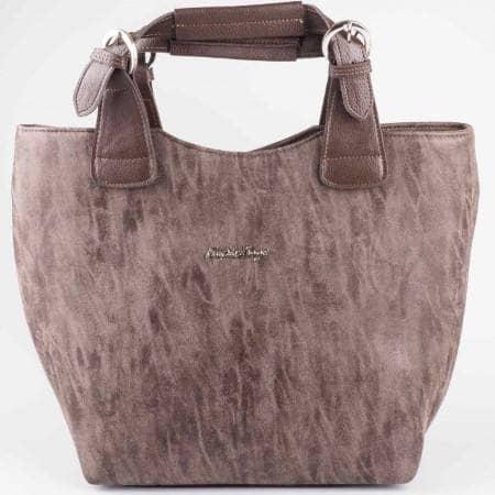 Дамска стилна чанта на известен български производител в кафяв цвят s1130k1