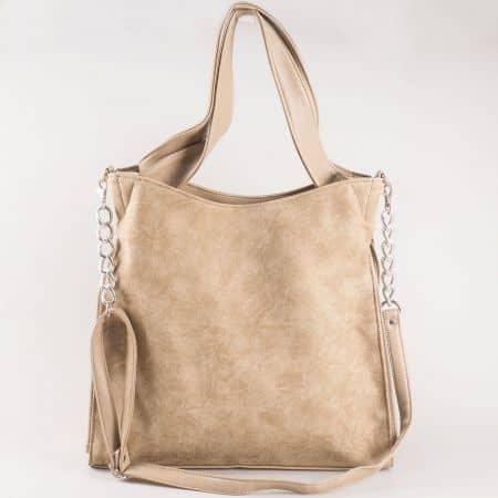 Дамска чанта със стилна, семпла визия на български производител в бежов цвят s1131tbj