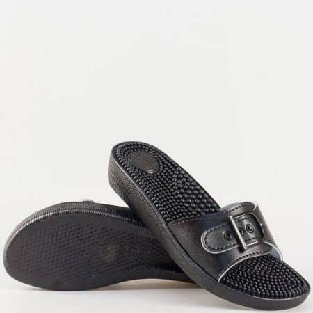 Ежедневни дамски чехли на масажиращо комфортно ходило с бодлички в черен цвят на български производител s114ch